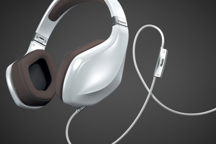 Raise the volume of your desires with Magnat LZR 980 headphones