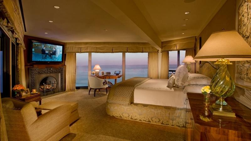 Point Dume Malibu Estate-Bedroom with ocean views