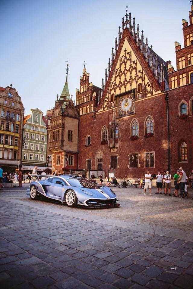 Polish supercar Hussarya Arrinera-