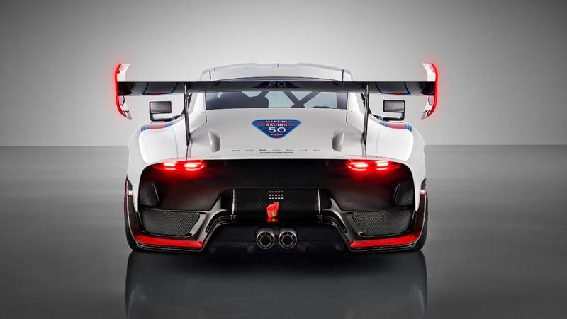 Porsche 935, 2018, Porsche AG-rear-