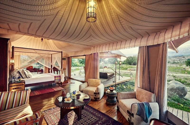Presedential Suite Tent Interior