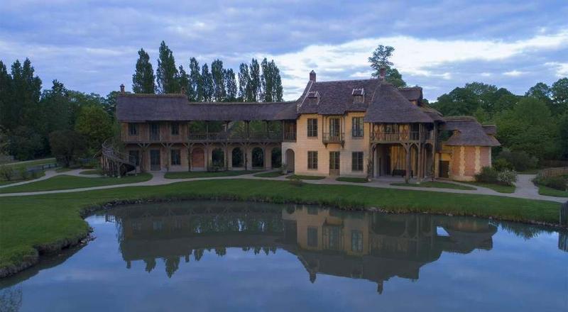 """Queen's House"""" in Versailles -"""