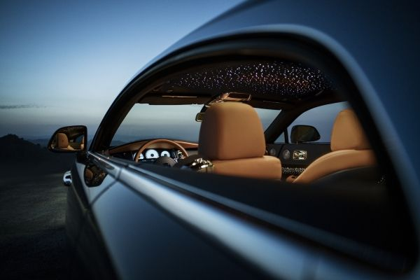 ROLLS-ROYCE TAKES BESPOKE TO NEW HEIGHTS WITH WRAITH LUMINARY COLLECTION-2018-details