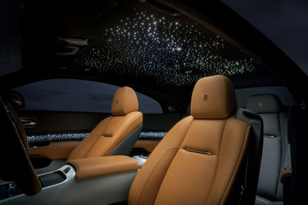 ROLLS-ROYCE TAKES BESPOKE TO NEW HEIGHTS WITH WRAITH LUMINARY COLLECTION-2018