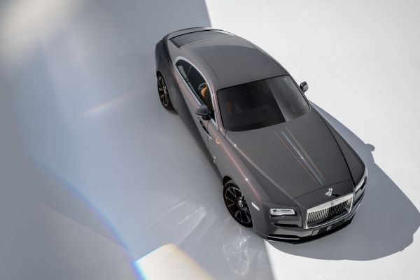 ROLLS-ROYCE TAKES BESPOKE TO NEW HEIGHTS WITH WRAITH LUMINARY COLLECTION-aerial