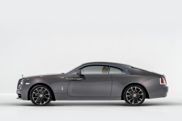 ROLLS-ROYCE TAKES BESPOKE TO NEW HEIGHTS WITH WRAITH LUMINARY COLLECTION