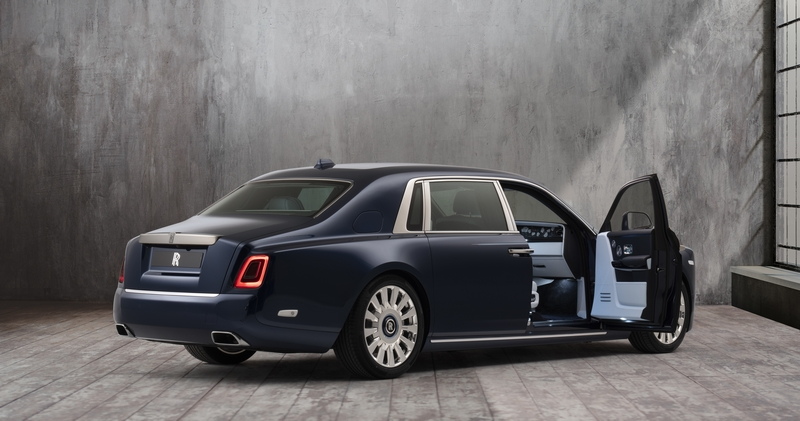 RR Rose Phantom_R3Q_Door_open_window_Image courtesy Rolls-Royce Motor Cars