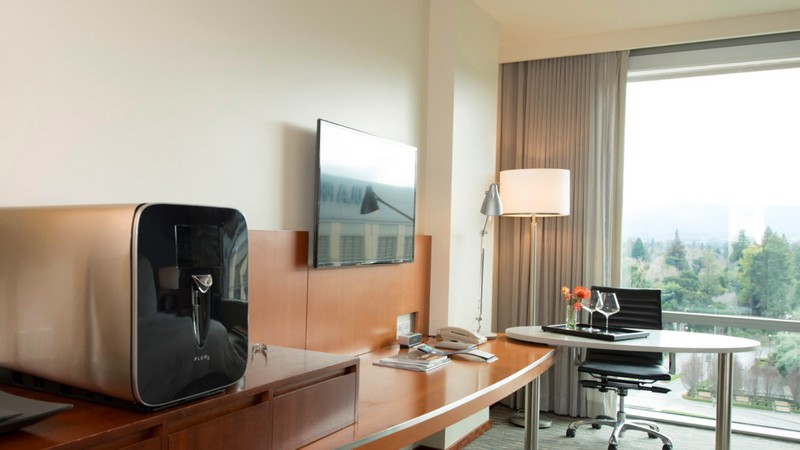 Revolutionising the in-room wine experience, Four Seasons Hotel Silicon Valley introduces Plum technology
