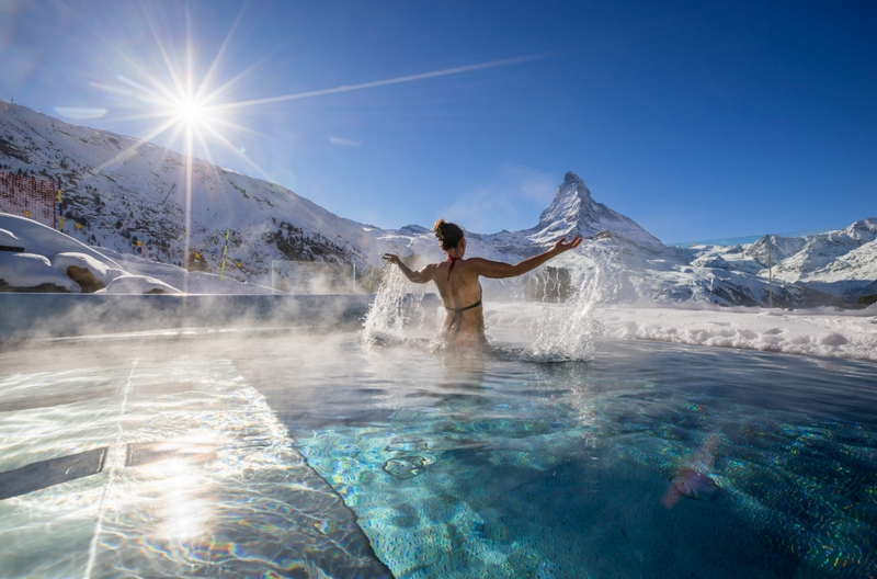 Riffelalp Resort 2222m, the highest luxury hotel in Europe- aussenpool