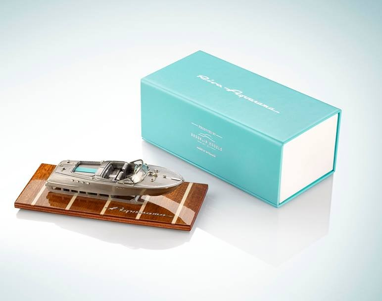 Riva Brand Experience - Aquarama legend lives on, in 1-43 scale