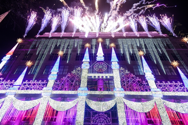 Saks Fifth Avenue's theater-inspired 10-story-tall theatrical light show