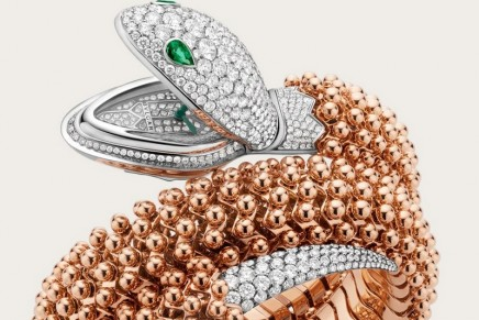 Serpenti Pallini High Jewellery secret watch is perfectly reproducing the sinuosity of the snake