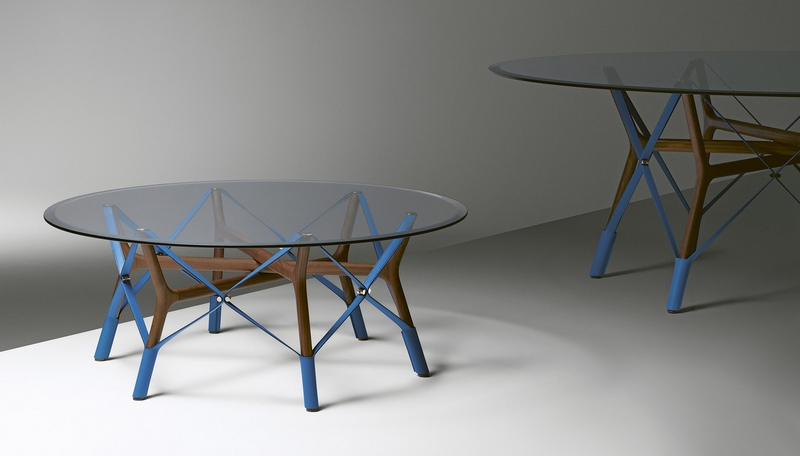 Serpentine table by Atelier O