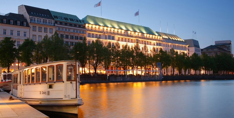 Sicis is turning the light on at Fairmont Hotel Vier Jahreszeiten in Hamburg