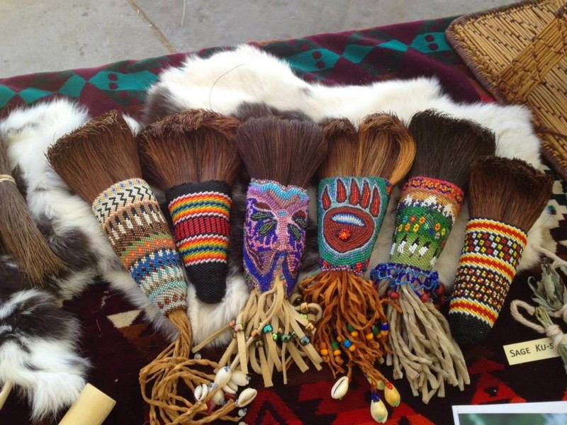Sierra Mono Museum Beaded soap root brushes