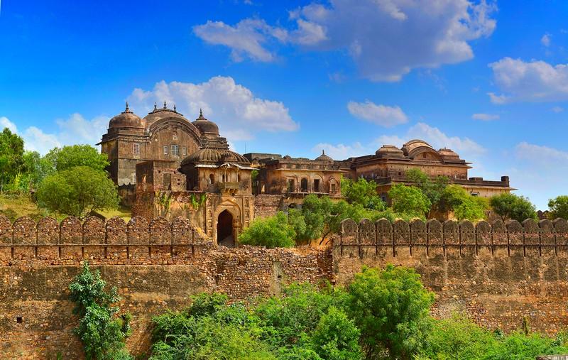 Six Senses announces plans to open Six Senses Fort Barwara in Rajasthan, India.