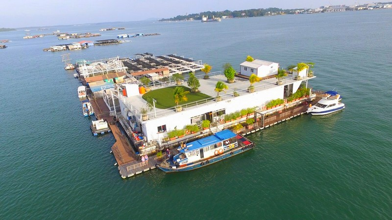 Smith Marine - First Floating Restaurant in Singapore