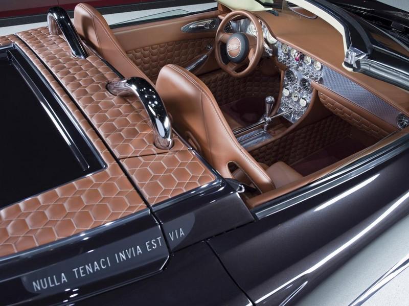 Spyker at 2017 Geneva Motor Show- Spyker C8 Preliator Spyder - interior amazing details