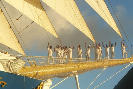 The sailing experience: the tall-ship cruising