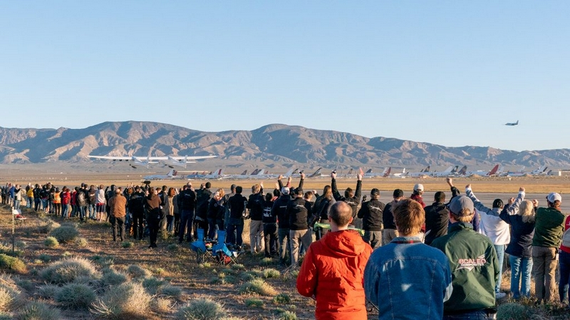Stratolaunch Completes Historic First Flight of Aircraft 2019 April