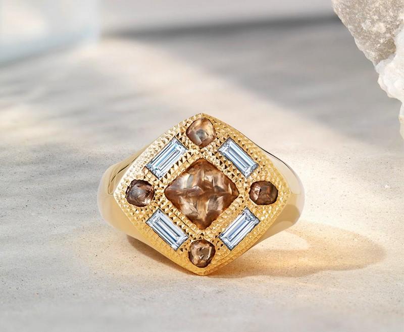 Talisman Signet Ring'