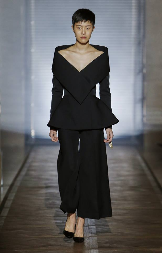 The Givenchy Haute Couture Show by Clare Waight Keller SS2018 - Look 1 Promise