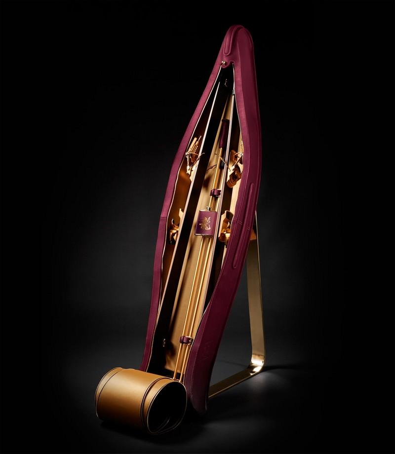 The Jackie Chan Oro-Amaranto ultra-luxury ski package - Foil ski travel bag