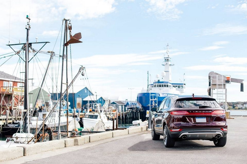 The Lincoln Motor Company - Finding our Lincoln MKC legs