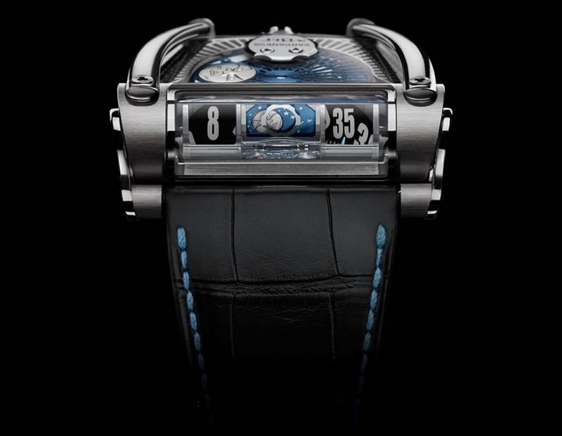 The MB&F x Sarpaneva MoonMachine 2 brings us the world's first projected moonphase display
