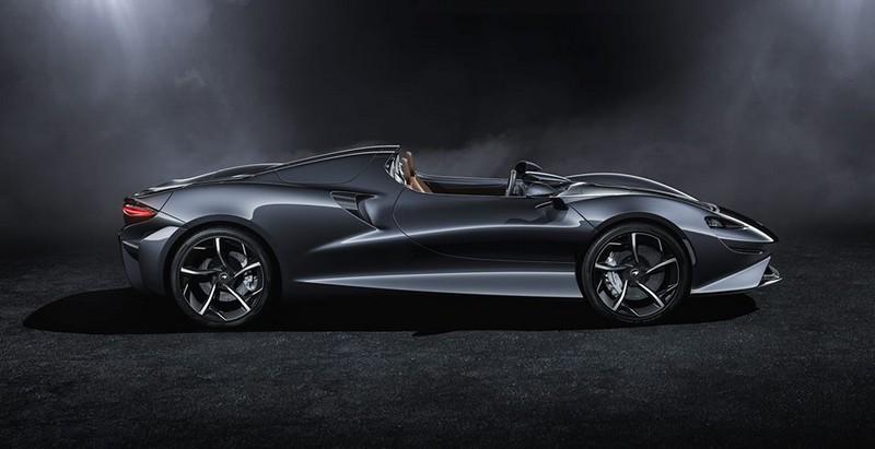 The McLaren Elva Lateral