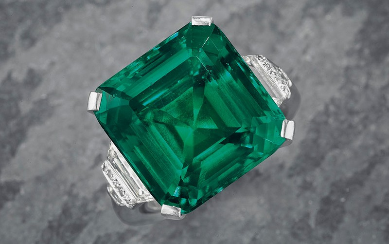 The Rockefeller Emerald - An emerald and diamond ring by Raymond C. Yard