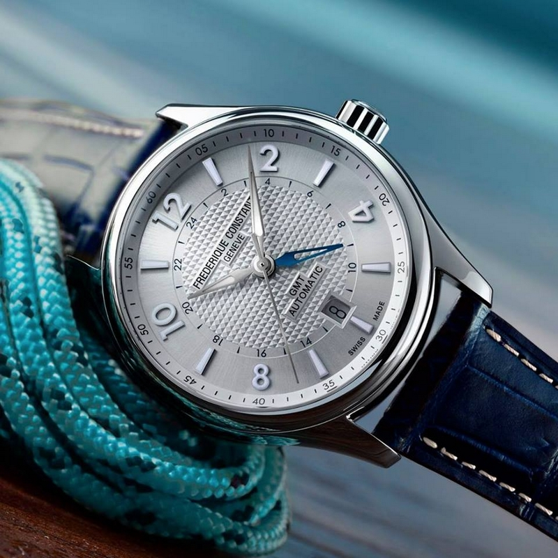 The Runabout collection embodies a classic, sophisticated watch