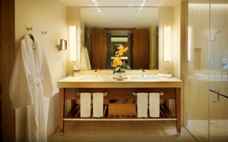 The Santa Maria, a Luxury Collection Hotel & Golf Resort, Panama City- king bathroom