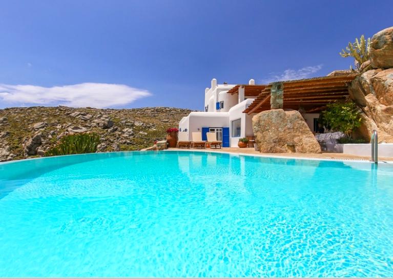 The extraordinary Mykonos villas by Clubzak