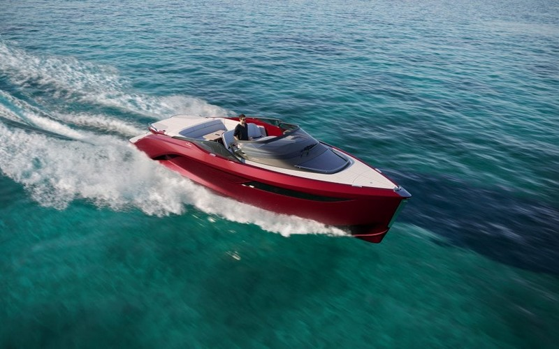 The first Princess R Class performance sports yacht-03