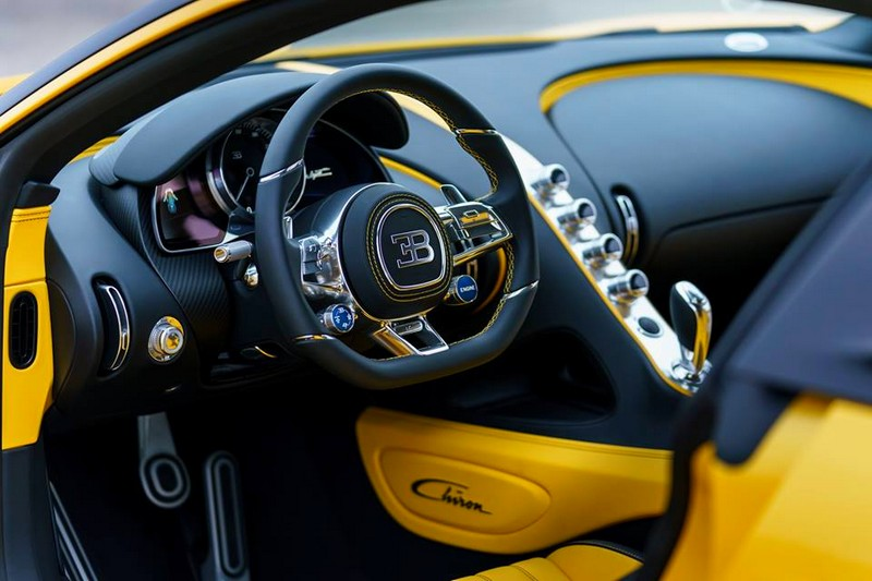 The first US Chiron is a real eyecatcher - Pebble Beach 2017 - interior