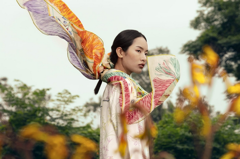 The latest Shanghai Tang Women's Collection - a visual feast of a Chinese garden in full bloom