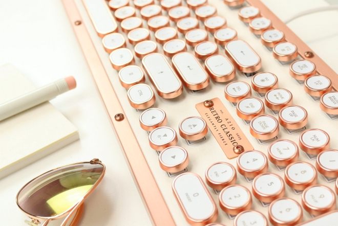 The most luxurious typewriter inspired mechanical keyboard - Retro Classic Posh-