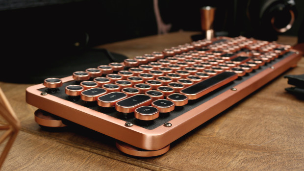 The most luxurious typewriter inspired mechanical keyboard - Retro Classic Posh 2017