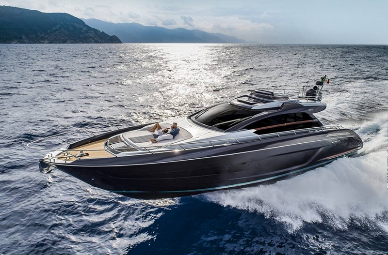 The sporty glamour of the Riva 66' Ribelle