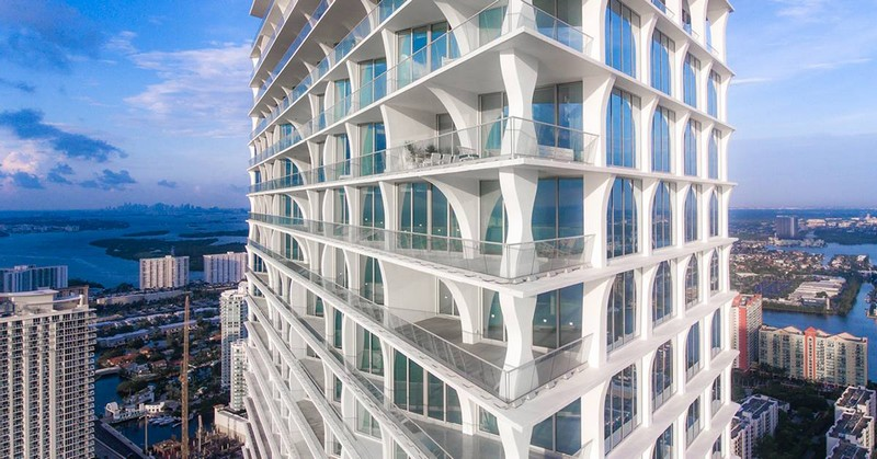 The terraces of these residences distinguish Jade Signature from all other beachside Miami towers