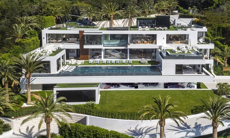 This $250 million home is setting a record for the most expensive home ever listed for sale in the US