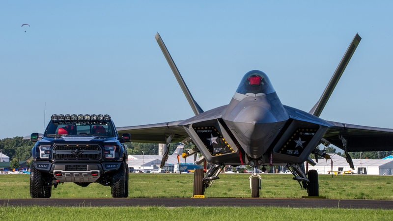 This one-of-a-kind F-150 Raptor is inspired by the F-22 fighter jet-