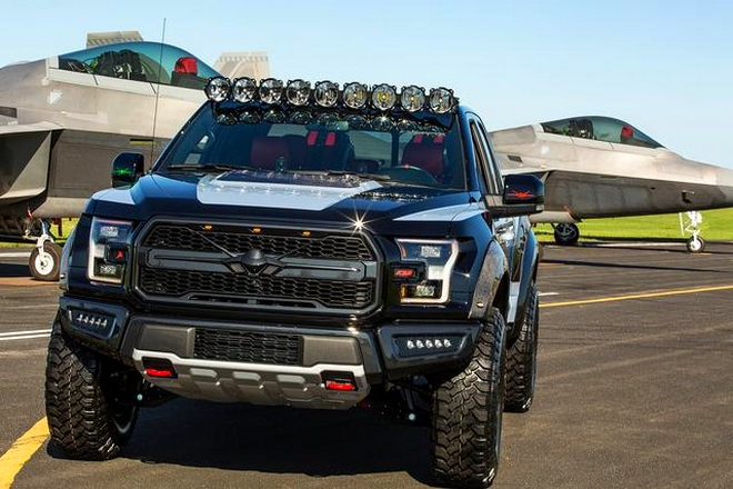 This one-of-a-kind F-150 Raptor is inspired by the F-22 fighter jet-2017-