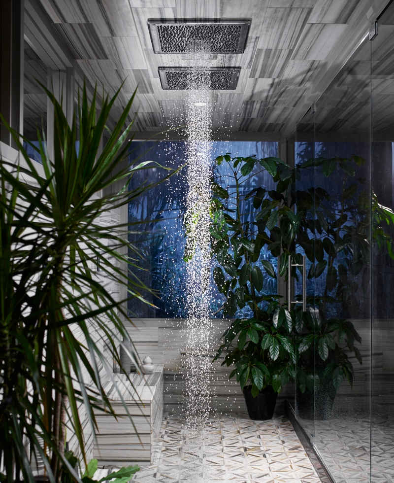 This real Real Rain experience perfectly portrays the sight, sound, and feel of raindrops
