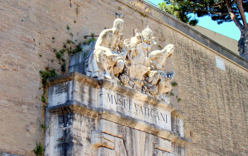 Tips for visiting the Vatican Museums the complete guide -guida-musei-vaticani-ingresso