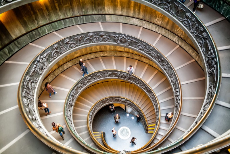 Tips for visiting the Vatican Museums the complete guide -guida-musei-vaticani-scala