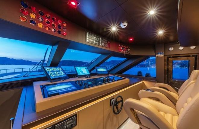 Tommaso Spadolini unveils Roberto Cavalli's new yacht 28m MY Freedom yacht 2019