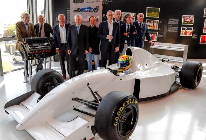 Unmissable Senna at the Lamborghini Museum