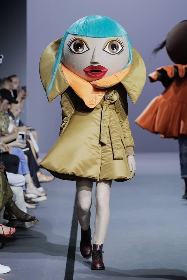 VIKTOR & ROLF Haute Couture Fall Winter 2017 Paris France-gallery